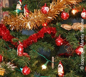 image tree decorations - British Christmas Traditions