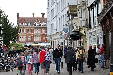 England, as part of the UK, uses the Pound Sterling not the Euro. London, as a major capital city, has extensive shopping opportunities ranging from designer labels to bargain basement options in the many local markets here.
